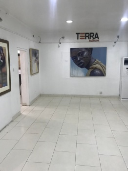 Entrance to the gallery